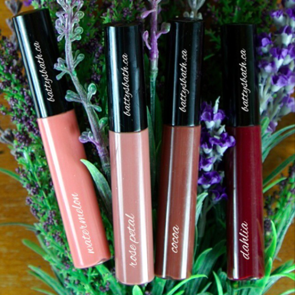 Along with the release of our natural mascara came our highly pigmented natural lip glosses!! They are available at shopbattysbath.com now!  As always, our lip glosses are 100% natural and made with only organic ingredients including Sunflower and Jojoba Oil, both super helpful in providing your lips with the nourishment they needs.  These soothing butters not only help to combat dry, sore and chapped beaks, they also help to protect from the ever changing elements. As an added bonus- We've added a pinch of cinnamon to the mix, an all-natural lip plumping phenomenon. (Friday the 13th)