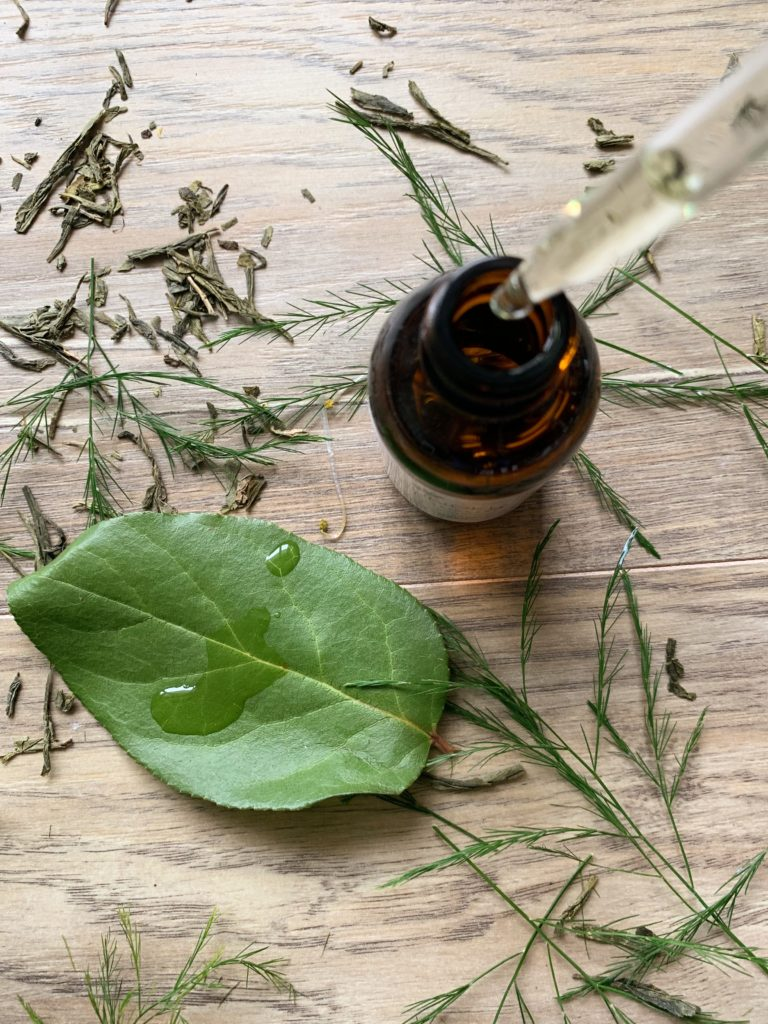 The benefits of Niacinamide in a natural skincare routine for acne